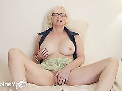 Amateur Blonde Masturbation Mature Softcore