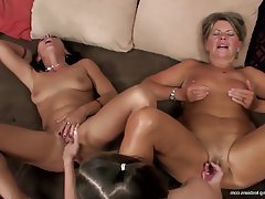 Lesbian Granny Mature Group Sex Old and Young