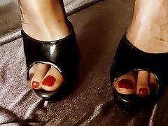 Amateur Close Up Foot Fetish Pantyhose High Heels