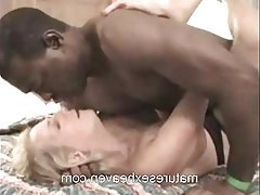 Amateur Mature Interracial Granny Swinger