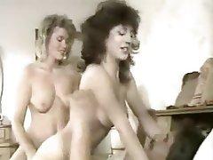 Babe Cumshot Hardcore Threesome Vintage
