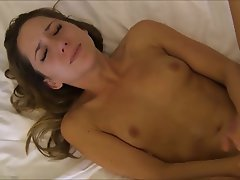 Brunette Cumshot Facial French