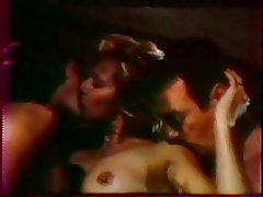 Giochi carnali 1983 threesome mfm scene - 1 part 5