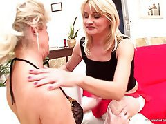Hairy Granny Mature Lesbian Old and Young